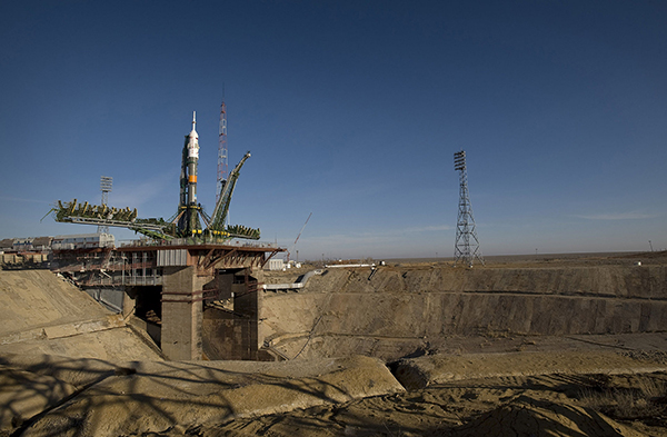 Soyuz_expedition_19_launch_pad cop1y.jpg